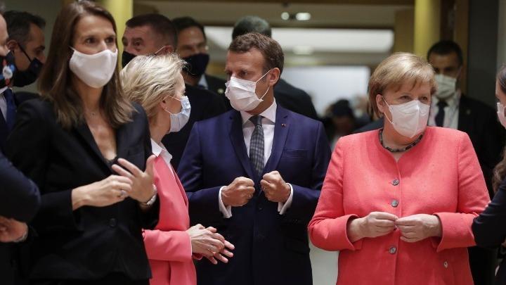 Σύνοδος Κορυφής… μασκέ στις Βρυξέλλες στον καιρό του κορωνοϊού, με μάσκες, ποτά και γλυκά