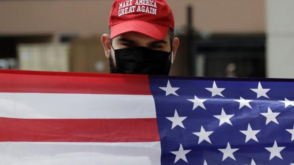 Τι πάει λάθος στις ΗΠΑ: Ρεκόρ κρουσμάτων, δημοφιλία Τραμπ στα τάρταρα και μέτρα κατά ατομικών ελευθεριών