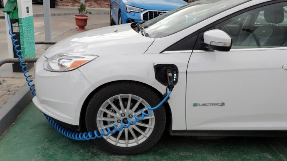 Από Δευτέρα 24/8 οι αιτήσεις για αγορά ηλεκτροκίνητου οχήματος- Έως 10.500 ευρώ η επιδότηση