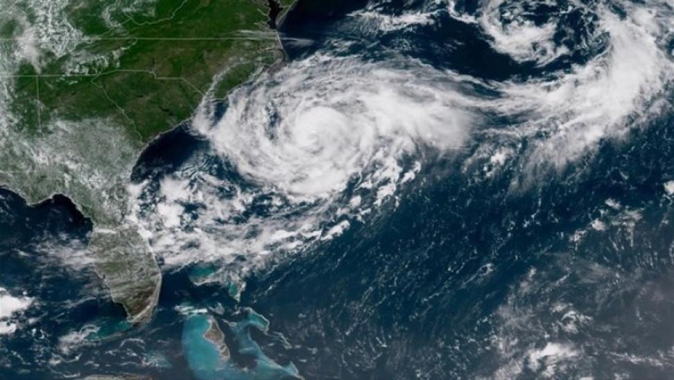 """ΗΠΑ: Η τροπική καταιγίδα """"Ησαΐας"""" πλησιάζει τις ακτές της Φλόριντα"""