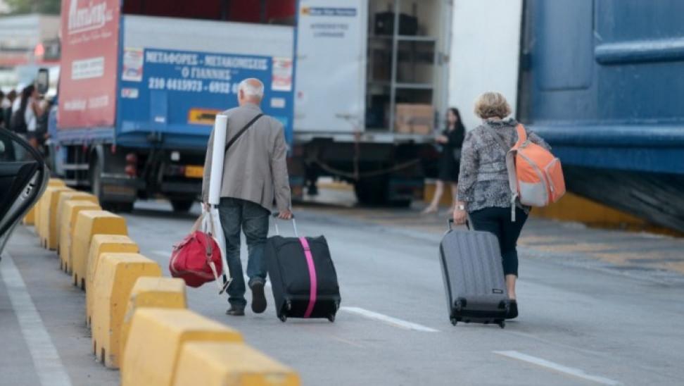 Κορωνοϊός: Εκτεταμένοι έλεγχοι από το Λιμενικό σε επιβάτες για τήρηση μέτρων