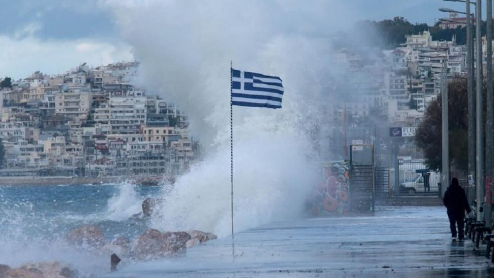 Σε εξέλιξη ο μεσογειακός κυκλώνας «Ιανός» - Σε απόλυτη επιφυλακή ο κρατικός μηχανισμός