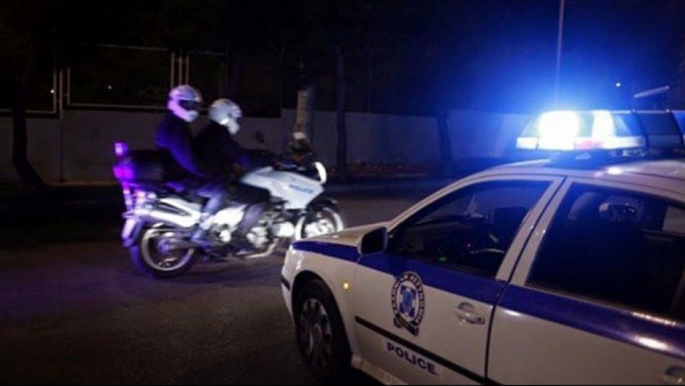 Κορωνοϊός: Ένταση σε καφετέρια Πάτρας με θαμώνες και αστυνομία - Συνελήφθη ο ιδιοκτήτης