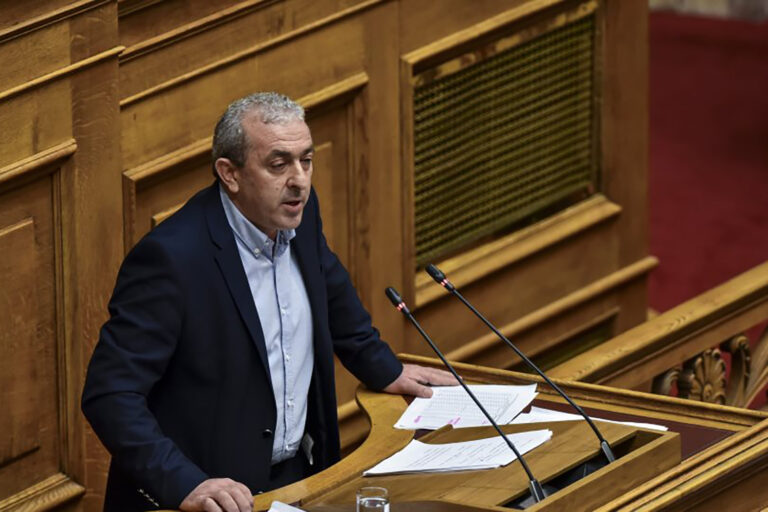 Σ. Βαρδάκης: «Η Κυβέρνηση συνεχίζει να κρατάει σε ομηρία τους εργαζόμενους στον Επισιτισμό – Τουρισμό»