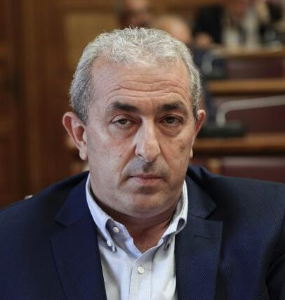 Σ. Βαρδάκης: «Ο Βρούτσης συνεχίζει να κοροϊδεύει προκλητικά τους συνταξιούχους