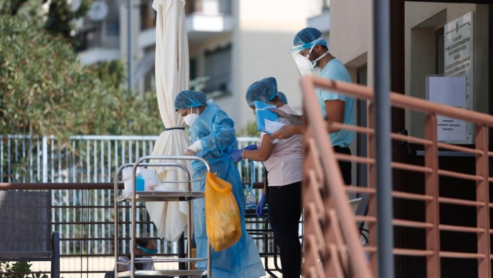 Στα 14 ανέρχονται τα κρούσματα στο γηροκομείο στη Γλυφάδα- 5 ηλικιωμένοι σε Νοσοκομεία της Αττικής