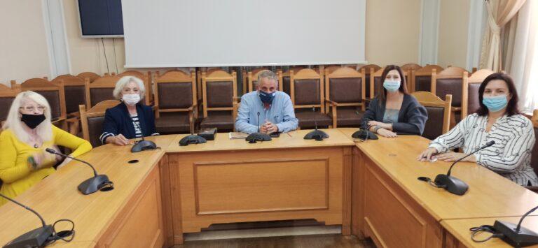 Συνάντηση Αντιπεριφερειάρχη Α. Παπαδεράκη με τον Σύλλογο Γυναικών Επιχειρηματιών Κρήτης