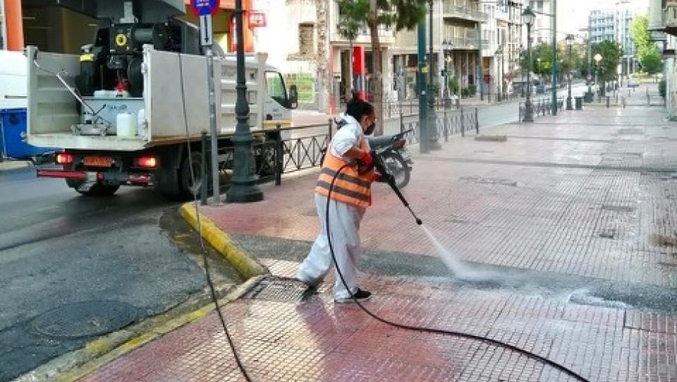 Δήμος Αθηναίων: Μεγάλη δράση καθαρισμού - απολύμανσης περιμετρικά της Ομόνοιας (φωτό)