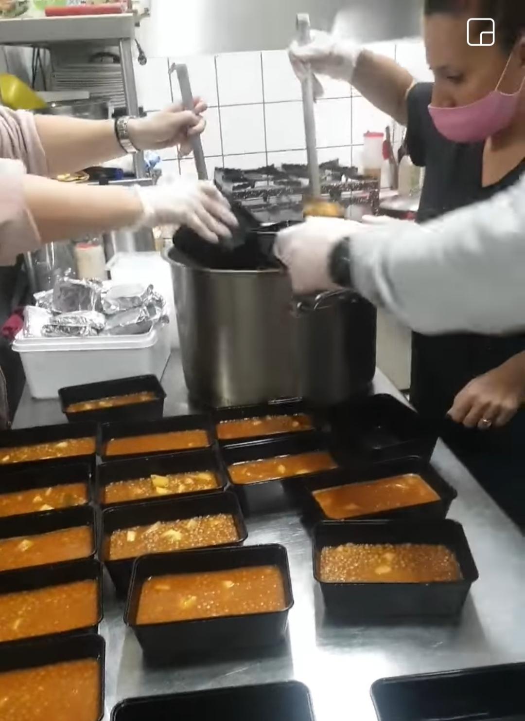 Ηράκλειο: «Κανένας χωρίς φαγητό» – Καλλιτέχνες μαγειρεύουν για όσους έχουν ανάγκη