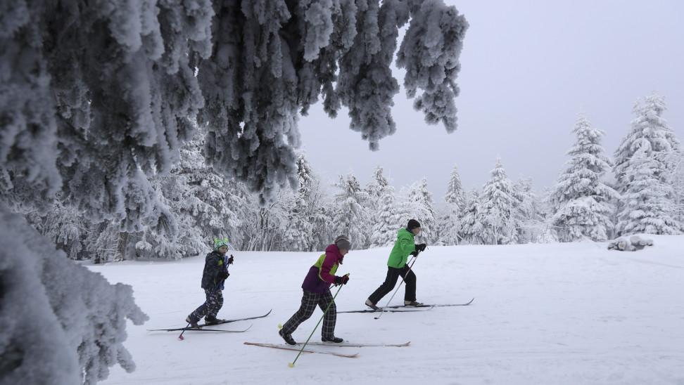 Κλειστές οι Άλπεις, κοσμοπλημμύρα στην Τσεχία- Καταγγελλία δημάρχου: Φέρνουν σκι αλλά και κορωνοϊο