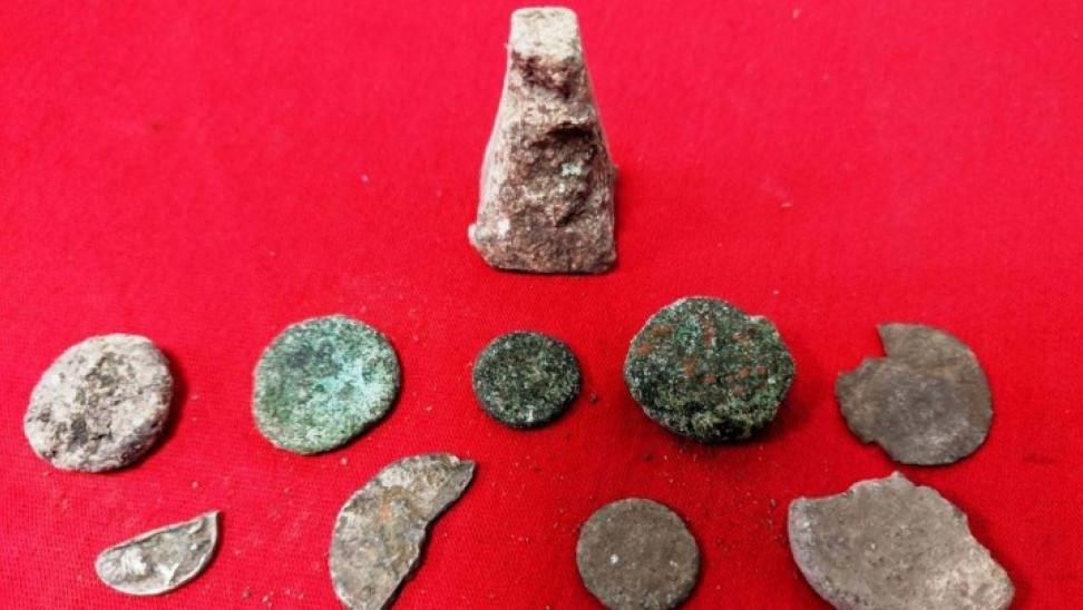 Συνελήφθη 68χρονος για παράνομες ανασκαφές στην Αμφίπολη- Ποια αντικείμενα βρέθηκαν στην κατοχή του